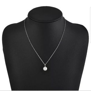 Jewelry - Beautiful chain white freshwater pearl fashion New